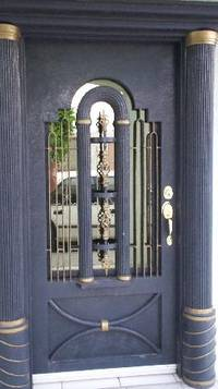 Двери из металла