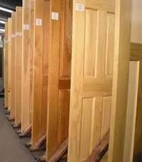 Критерии выбора деревянной двери