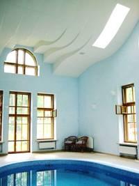 Криволинейный потолок. Ремонт квартир в Москве