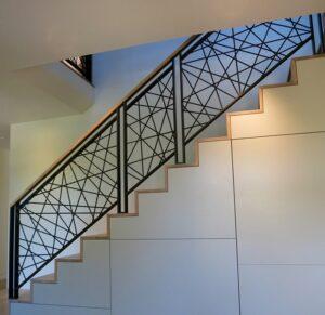 Металлические решетки для лестниц