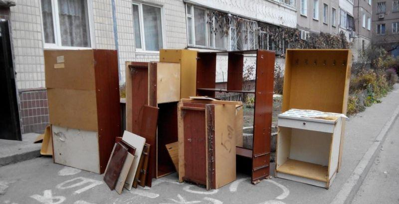 Вывоз и утилизация старой мебели в Москве